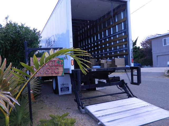 truck to move pallets